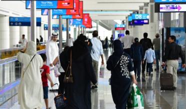 دُبئی امیگریشن نے پاکستان سمیت کئی ممالک کو وزٹ ویزہ اور انٹری پرمٹ دینے پر بھی غیر معینہ مُدت کے لیے پابندی عائد کر دی۔